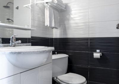 le richmont hotel marseillan salle de bain